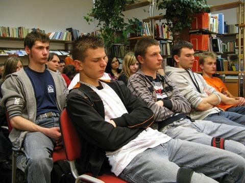 W spotkaniu wzięli udział młodzi ludzie (fot. MBP w Jaśle)