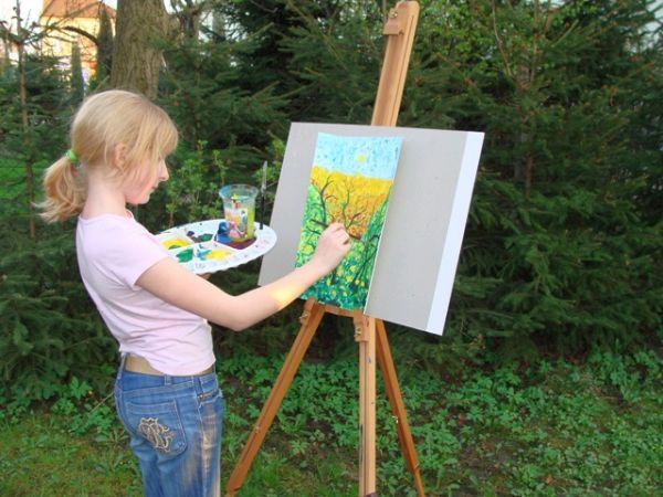 Magda podczas tworzenia swojej kolejnej pracy (fot. arch.)