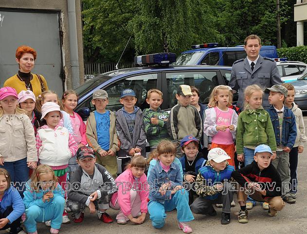 U jasielskich policjantów gościli 5- i 6-latkowie z PM nr 6. Fot. KPP w Jaśle