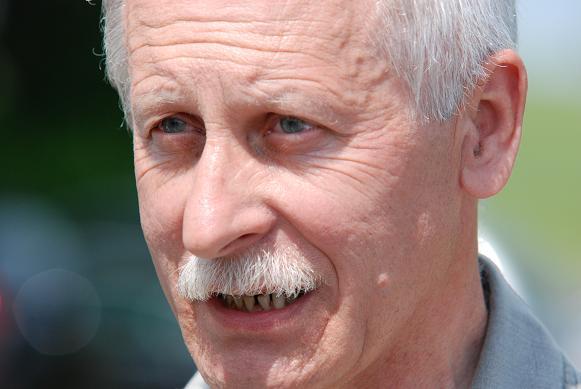 Jedynym kandydatem w niedzielnych przedterminowych wyborach będzie 56-letni Bogusław Wójcik. Fot. Damian Palar