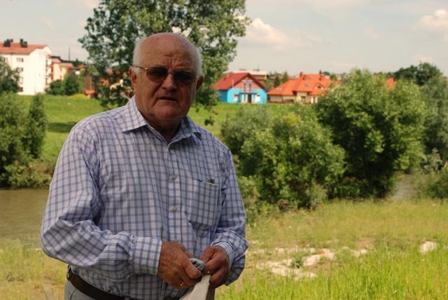 Zdzisław Dziedzic od wielu lat walczył o budowę obwałowania Gądek. Fot. Damian Palar