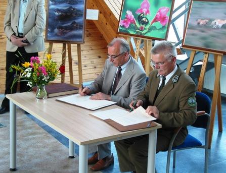 Podpisanie porozumienia. Fot. Magurski PN