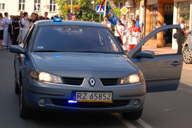 Jasielscy policjanci poruszali się nieoznakowanym radiowozem z wideorejestratorem. Fot. Damian Palar