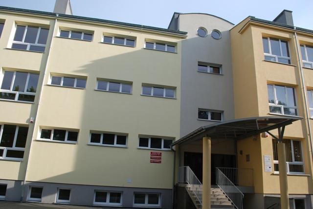 Budynek Gimnazjum nr 4. Fot. Damian Palar