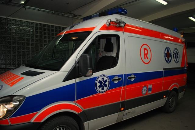 Zakup nowych ambulansów przyczyni się do podniesienia jakości usług świadczonych przez Szpital Specjalistyczny w Jaśle oraz do stworzenia nowoczesnych warunków leczenia pacjentów. Fot. Damian Palar