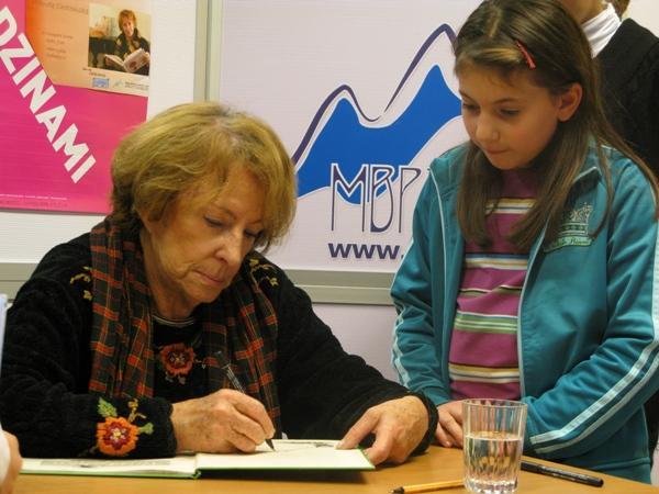 Spotkanie autorskie z Wandą Chotomską. Fot. Miejska Biblioteka Publiczna w Jaśle