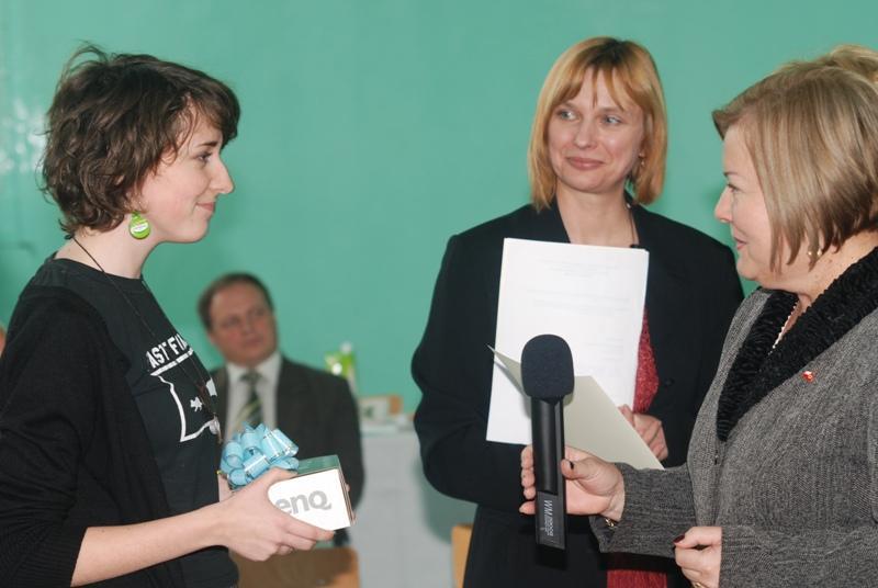 Laureaci konkursu otrzymali cenne nagrody. Fot. Damian Palar / terazJaslo.pl