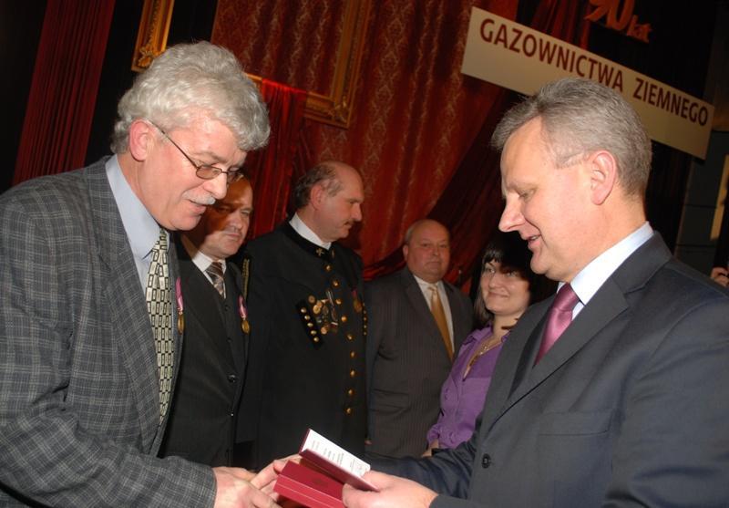 Minister Grad wręczył odznaczenia. Fot. Damian Palar / terazJaslo.pl