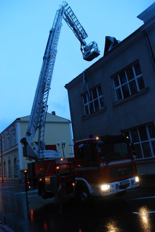 Zniszczony podczas wichury dach. Fot. Damian Palar / terazJaslo.pl