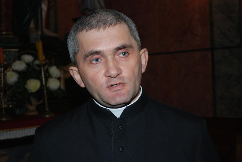 Ksiądz proboszcz Bogusław Jurczak. Fot. Daniel Baron / terazJaslo.pl