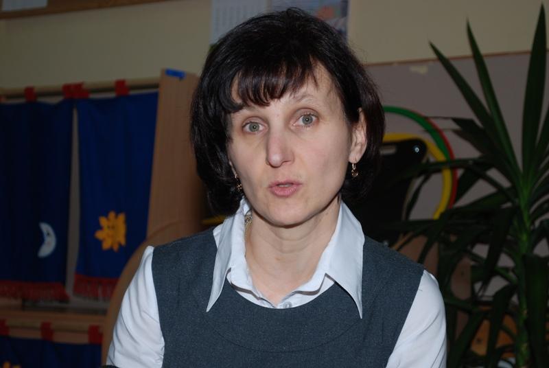 Irena Baciak, dyrektor SP w Zawadce Osieckiej. Fot. Daniel Baron