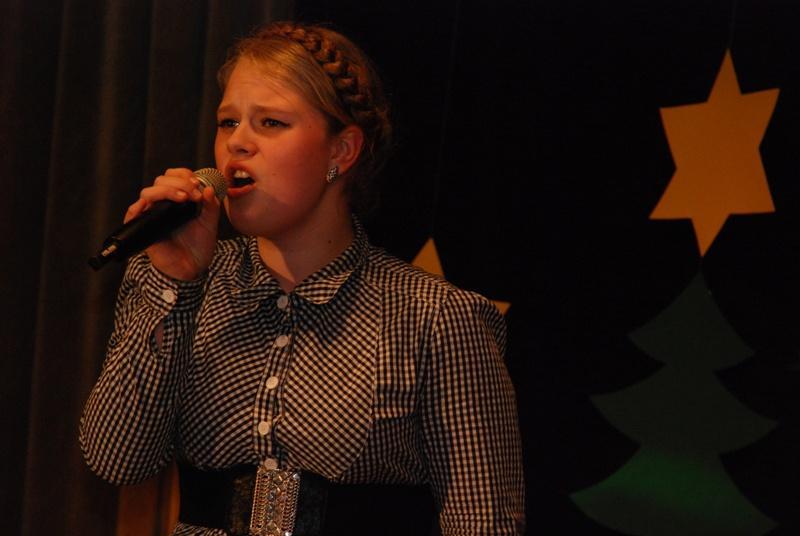 Śpiewa Joanna Preisner. Fot. terazJaslo.pl / Damian Palar
