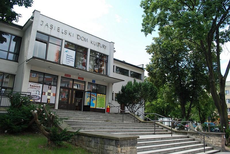 Jasielski Dom Kultury. Fot. terazJaslo.pl / Damian Palar