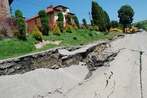 Zniszczona droga. Fot. terazJaslo.pl / Damian Palar