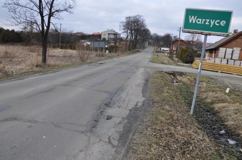 Dawna droga wojewódzka w Warzycach. Fot. terazJaslo.pl / Damian Palar