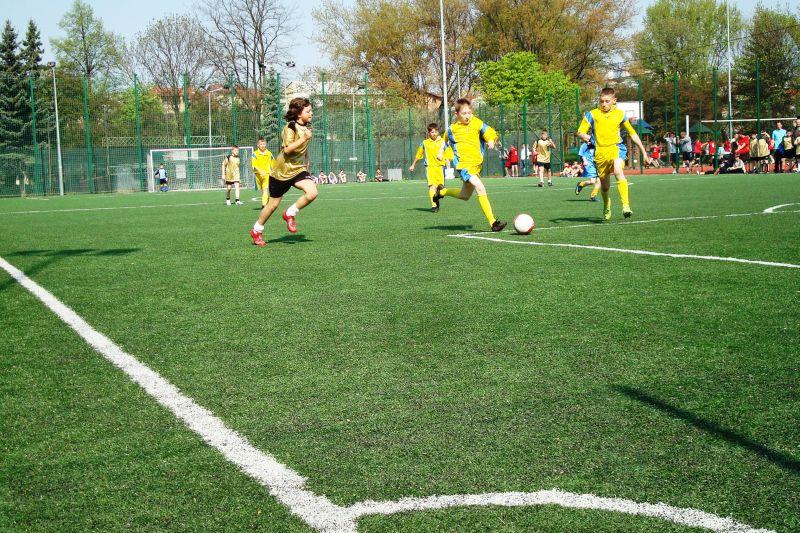 Turniej piłkarski na Orliku