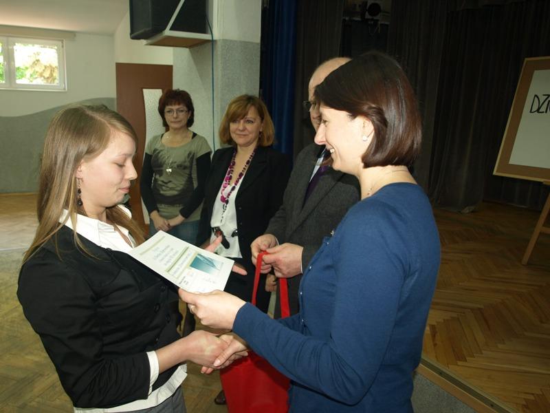 Laureatki konkursu dziennikarskiego. Fot. MDK w Jaśle