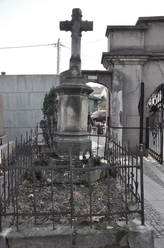Pomnik na grobie rodziny Kleczkowskich