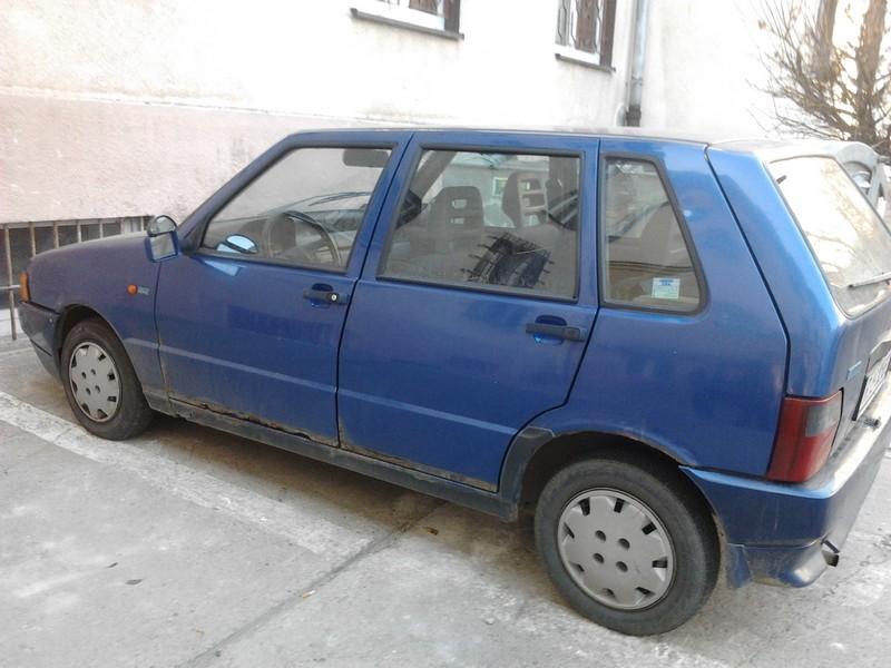 Zdezelowany Fiat Uno