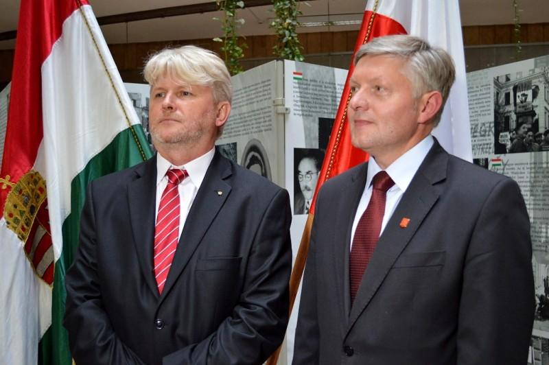 Karol Biernacki (z lewej) i burmistrz Jasła Andrzej Czernecki