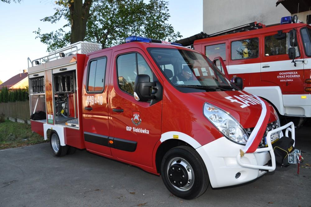 Nowy lekki samochód ratowniczo-gaśniczy OSP KSRG Sieklówka