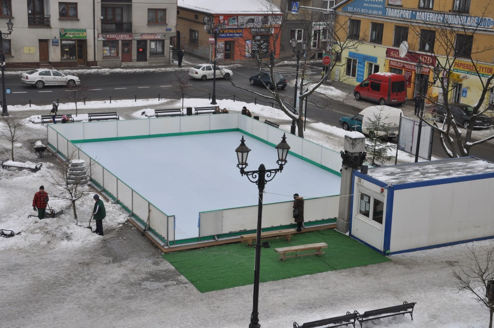 Sztuczne lodowisko w Kołaczycach