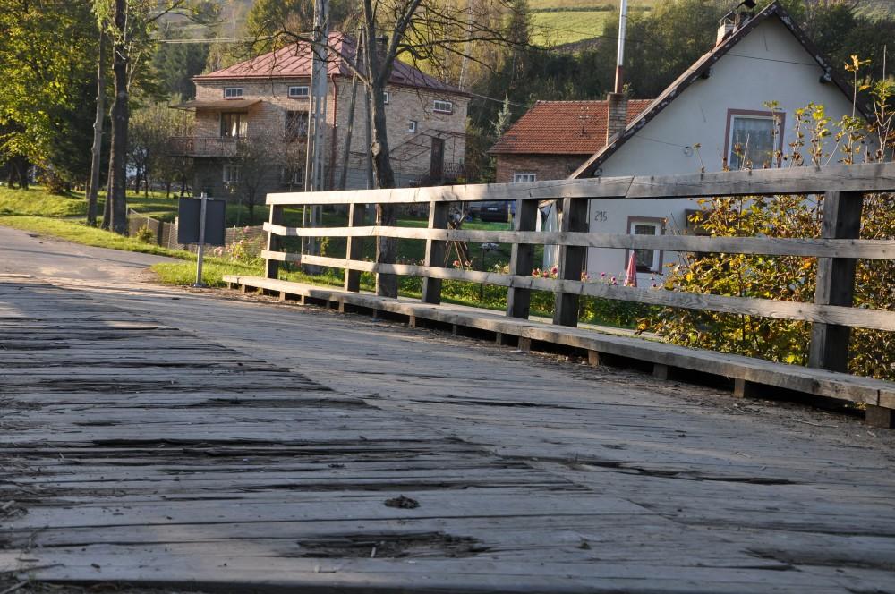 Most na potoku Ryj w Kątach