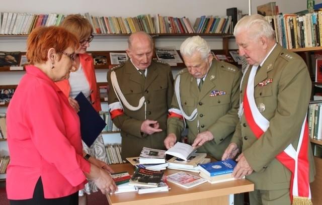 Biblioteka AK