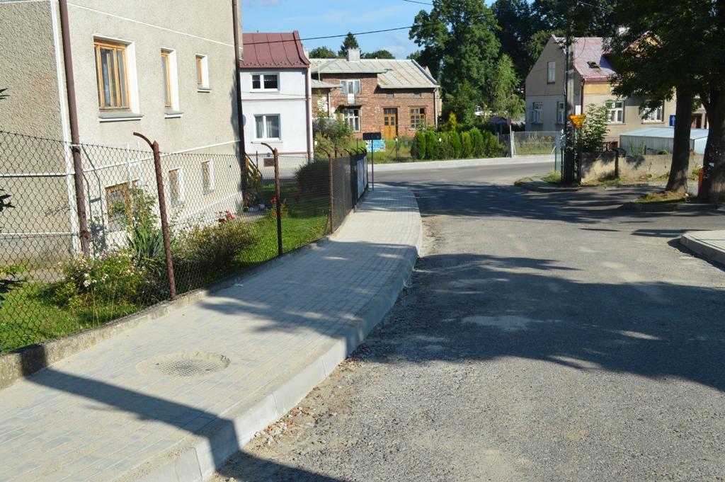 Chodnik przy ulicy Farnej