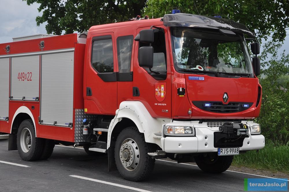 Na nowy średni samochód ratowniczo-gaśniczy mogą liczyć w tym roku m.in. strażacy ze Skołyszyna. Znaleźli się wśród dziewięciu beneficjentów środków przyznanych przez Wojewódzki Fundusz Ochrony Środowiska i Gospodarki Wodnej w Rzeszowie. Fot. © terazJaslo.pl / DAMIAN PALAR