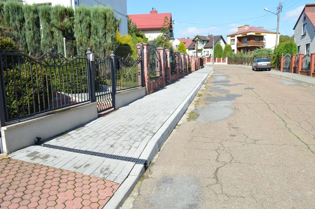 Chodnik przy ulicy Skalnej