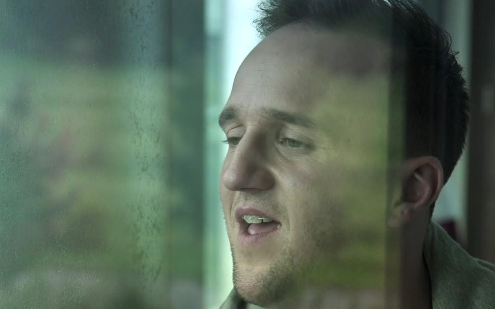 Kadr z nowego klipu Mateusza Mijala / © materiały prasowe artysty