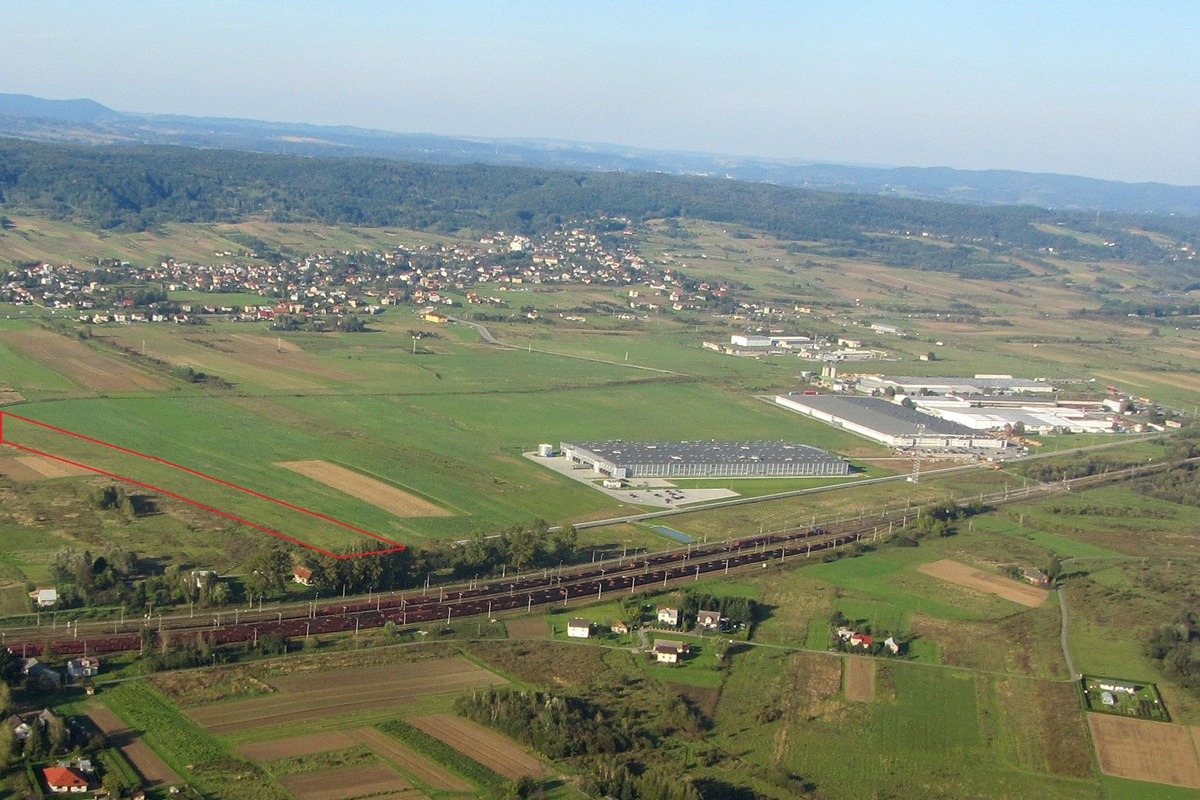 Oferta inwestycyjna w strefie warzyckiej. Fot. © Jasielskie Stowarzyszenie Lotnicze IKAR